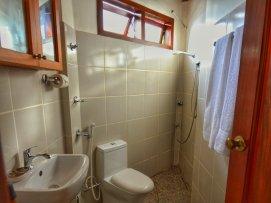 Octagon House, bathroom